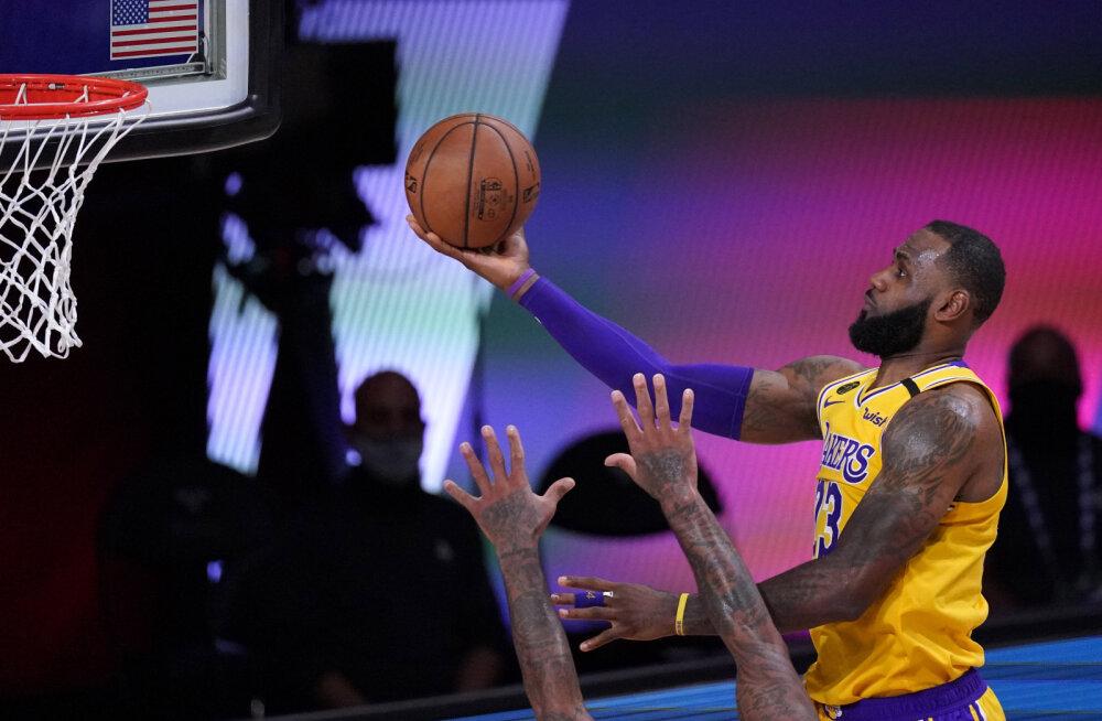 NBA kauaoodatud Los Angelese tiimide duell jõudis veelgi lähemale