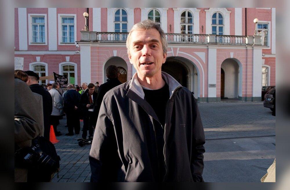 Карел Таранд — о машинах со скидкой для депутатов: задаться надо другим вопросом