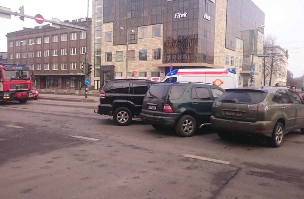 Avarii Tartu mnt ja Kreutzwaldi tänava ristmikul