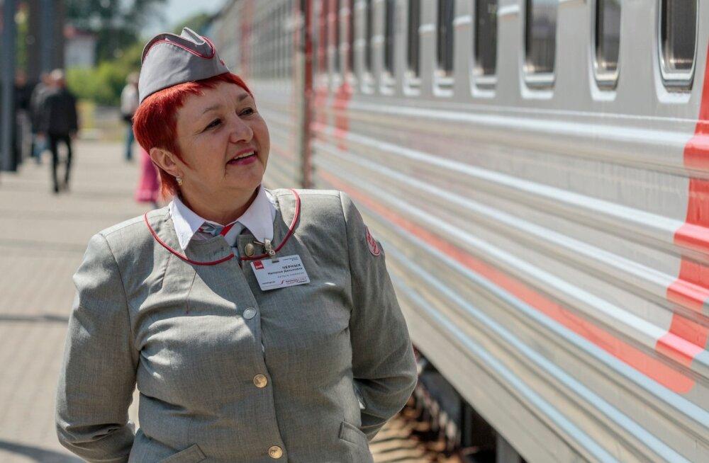 Taasavatud Tallinna-Peterburi-Moskva liinilt saabus laupäeval Balti jaama esimene rong.