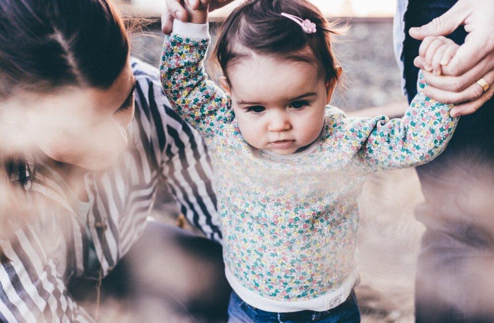 Ema pihib: tahan jääda koju lapsi kasvatama, aga mees ei ole sellega üldse nõus