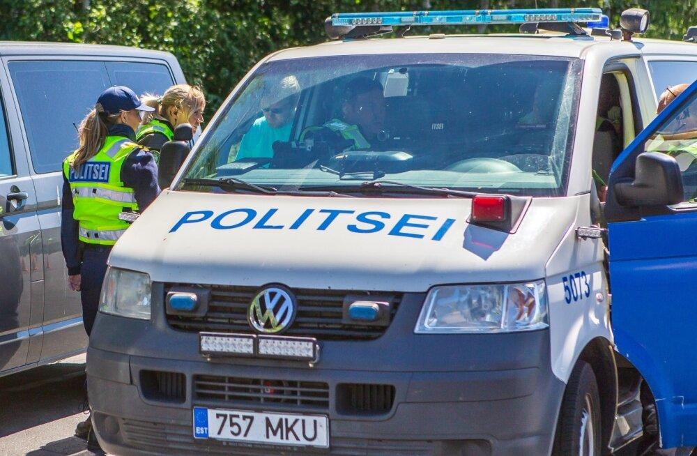 politseireid Pärnu - Riia maanteel