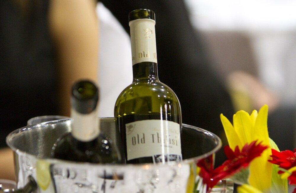 Уже летом можно будет сдавать бутылки из-под крепкого алкоголя, вина и сиропов