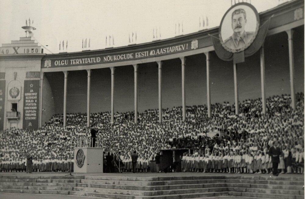 XIII üldlaulupidu: Nõukogude Eesti 1950. aasta üldlaulupidu ja rahvakunstiõhtu