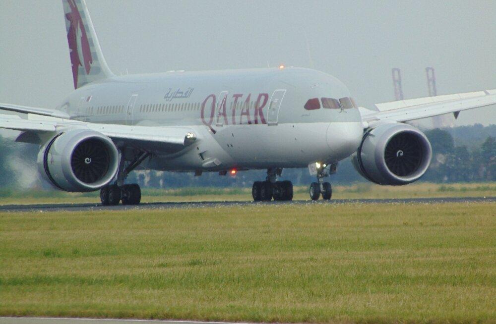 Kuidas saab selline asi juhtuda? Katarist Austraaliasse väljuma pidanud lennul olevate naistega käituti äärmiselt ebasobivalt