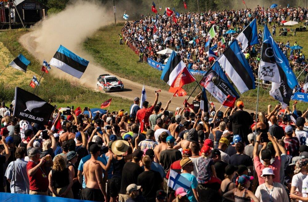 Lippude järgi võiks arvata, et Soome ralli publik koosnes vaid eestlastest.