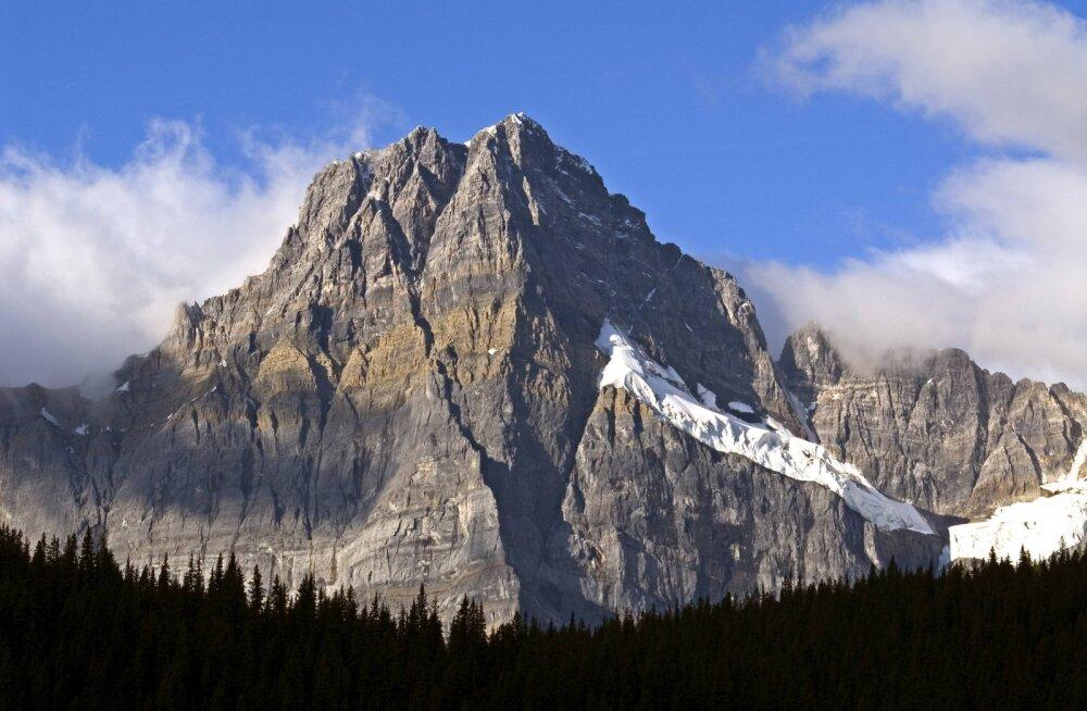 Kanadas hukkus laviini all kolm tunnustatud mägironijat