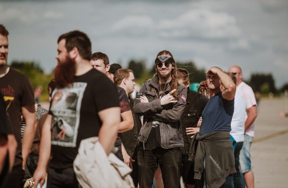 Metallica kontsert Tartus - kogunemine väravatesse