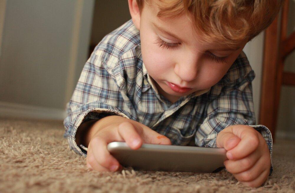 Laps veedab liiga palju aega nutitelefonis? Hea nipp, mida selle puhul teha