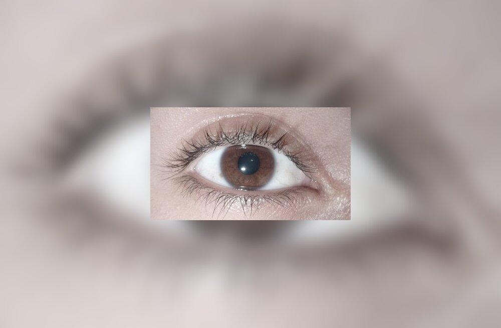 Uus laserprotseduur muudab pruunid silmad siniseks