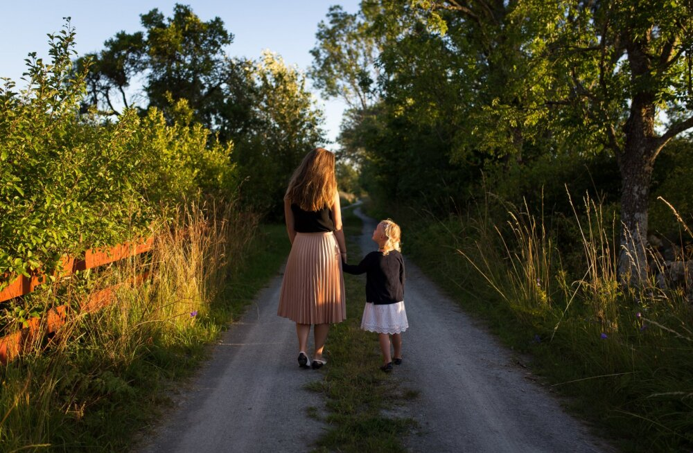OMAPÄI | Ema tunnistab: laps läheb varsti kooli, aga mul pole ikka veel emmedest sõpru!