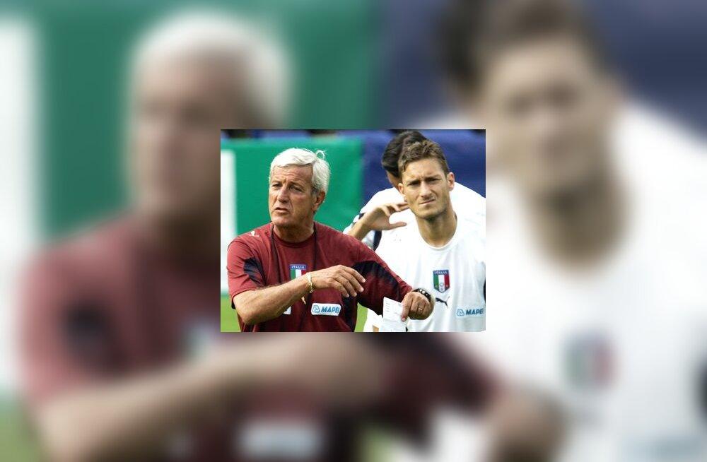 Marcello Lippi ja Francesco Totti