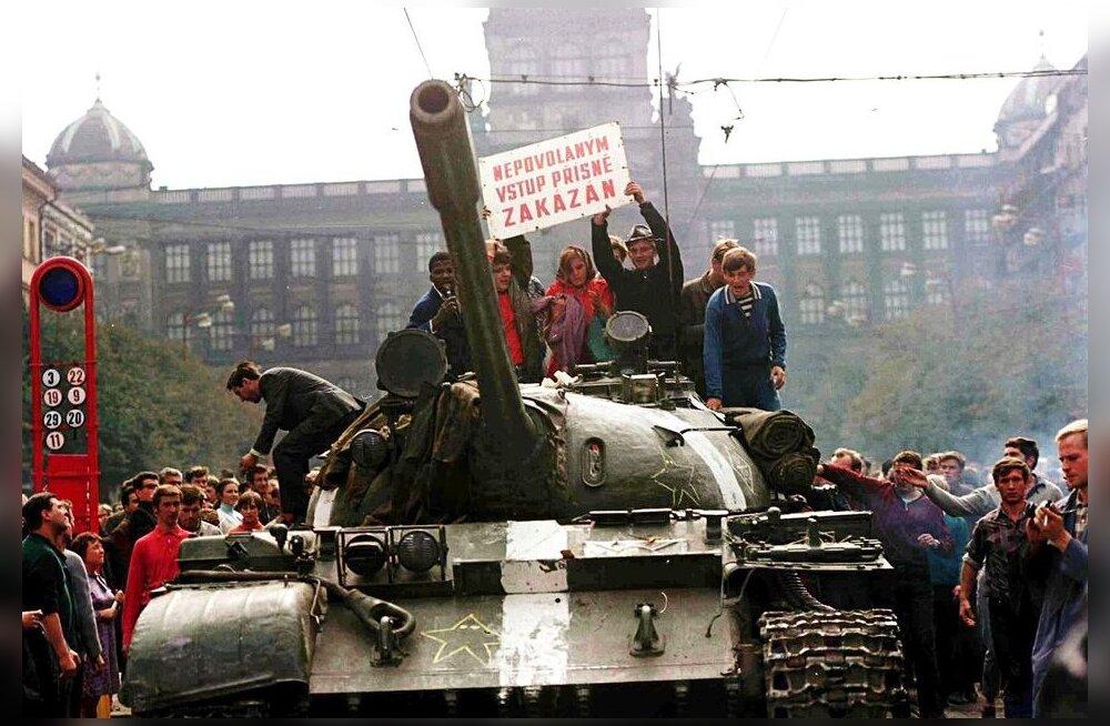 Танки идут по правде: ввод советских войск в Чехословакию 50 лет назад напугал финнов, но главком предпочел поехать на дачу