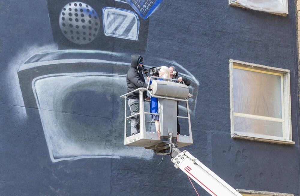 Telemaja Gonsiori poolsele seinale maalitakse EV100 puhul suur seinamaaling