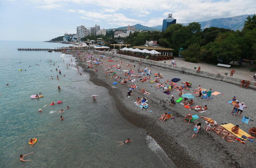 В Крыму подвели туристические итоги года: жители Эстонии ездят туда довольно активно. Что думает об этом государство?