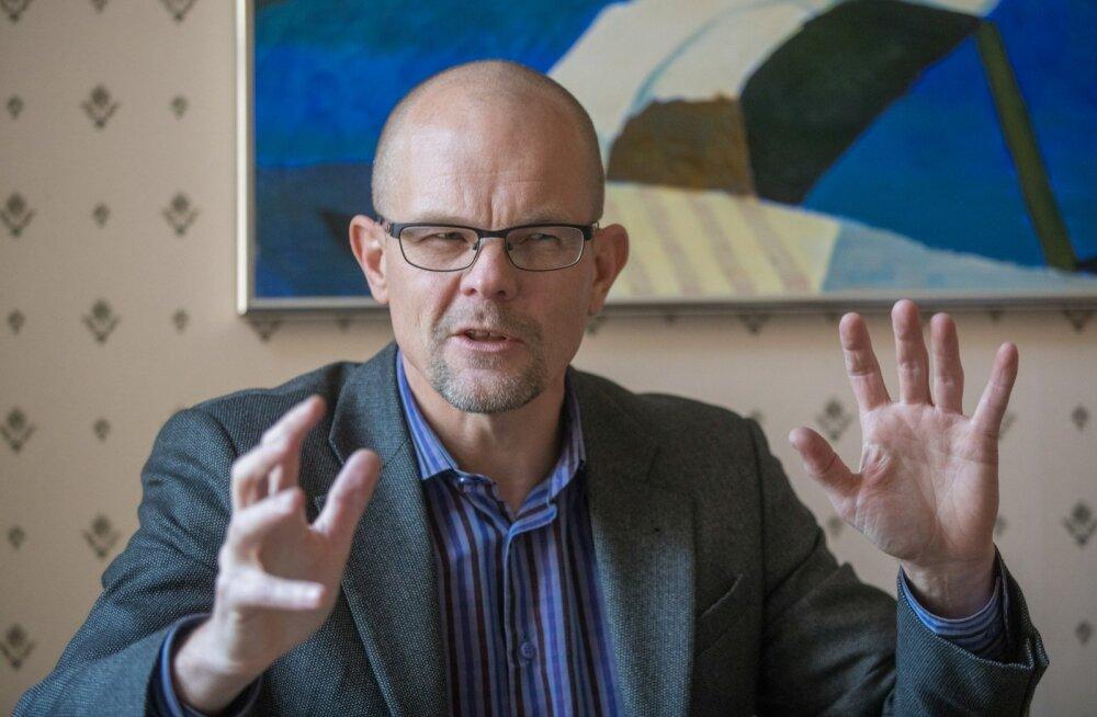 """Kersti Kaljulaidi kantseleiülem Tiit Riisalo kinnitab, et IRL-i """"kõrvu"""" presidendi tegevuses paistma ei hakka."""