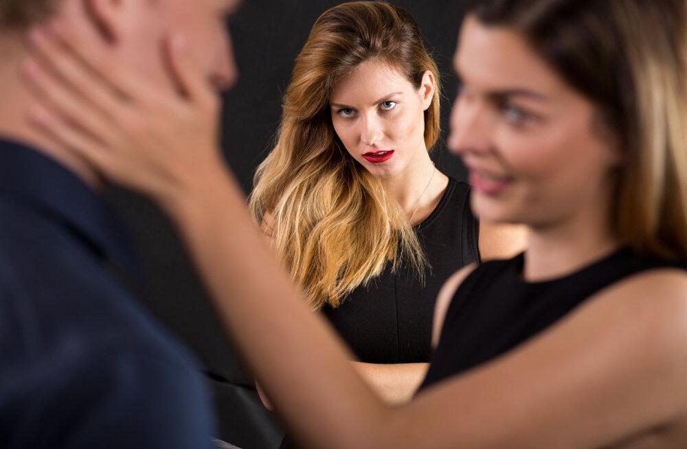 Õnnetu naine: mees jäi oma armukesega mulle lennujaamas vahele ja nüüd on kõik läbi