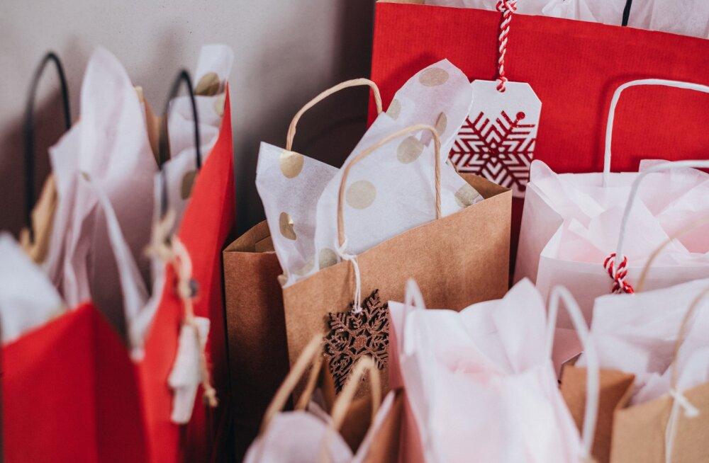 Kõige tüüpilisemad mõtted, mis käivad iga inimese peast jõuluoste tehes läbi