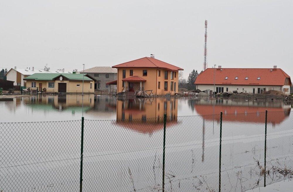 Üleujutus Lagedil, Päikese tänaval