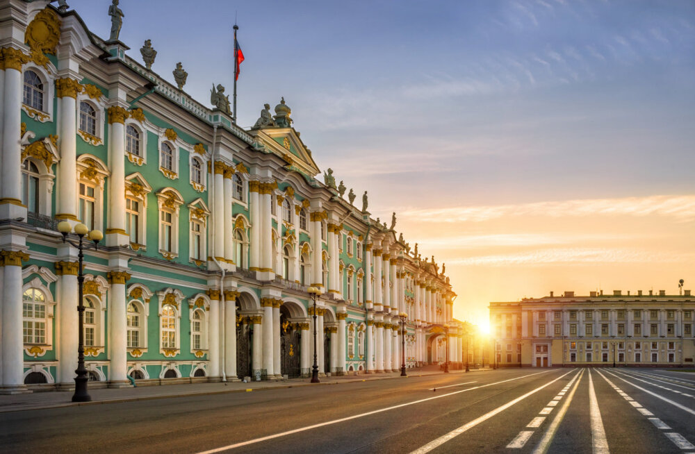 Российским туристам в Петербурге стало не хватать места из-за китайцев