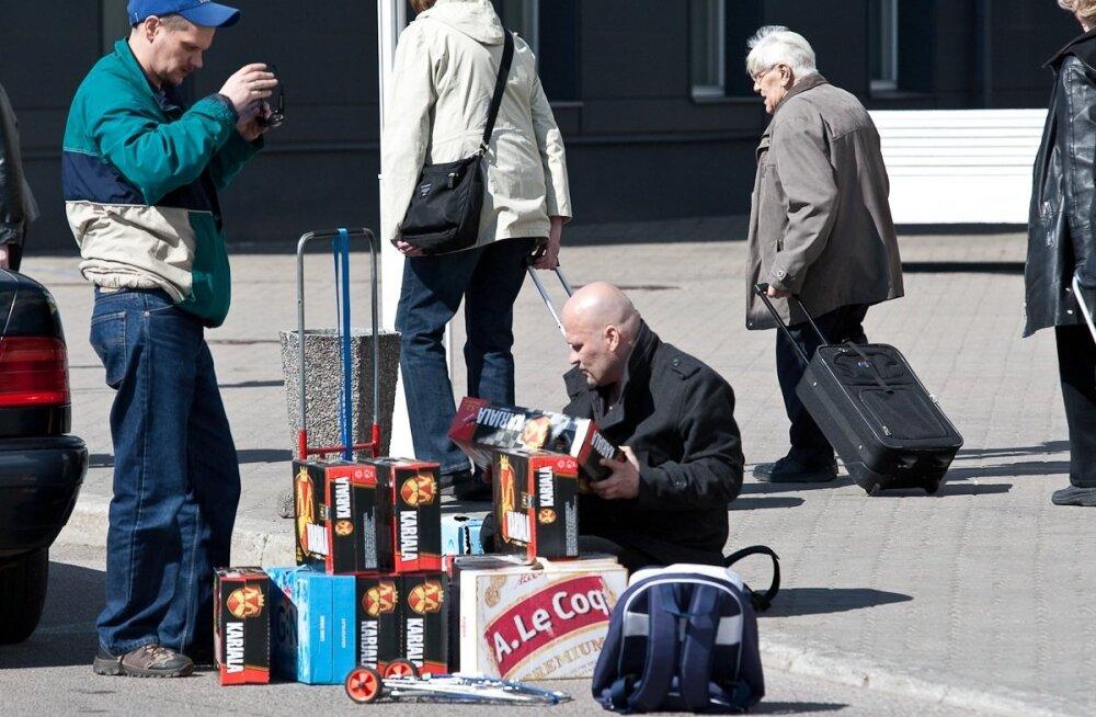 Soomlased on Eesti alkoaktsiisi langetamise pärast närvilised. Kas läheb üle lahe alkoralliks?