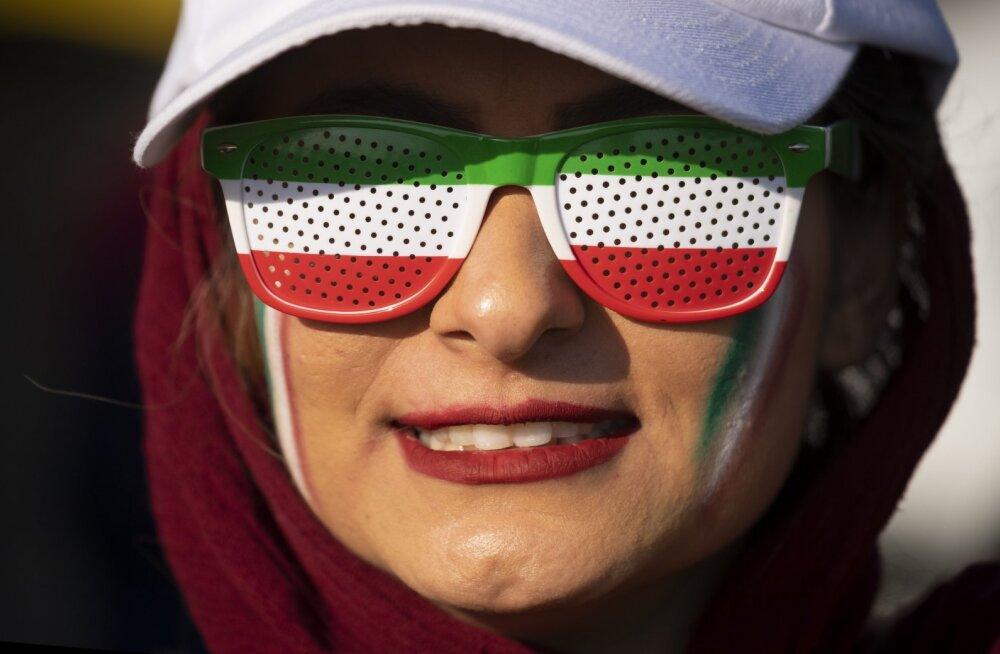 Staadionile lubatud naised nägid Iraanis 14:0 võitu