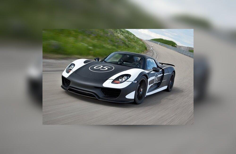 Porsche avaldas fotod ülikalli sportauto prototüübist