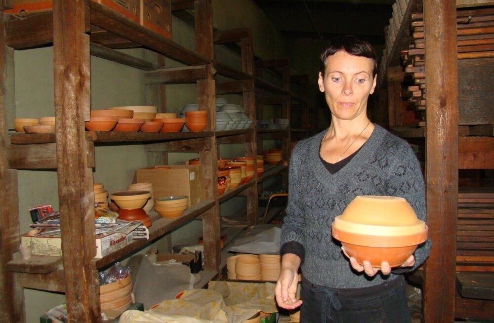 Setud olid nutikad, keegi ei hakanud eraldi ahjuvormi valmistama. Toit pandi ahju kausiga ja kaanena kasutati teist kaussi.