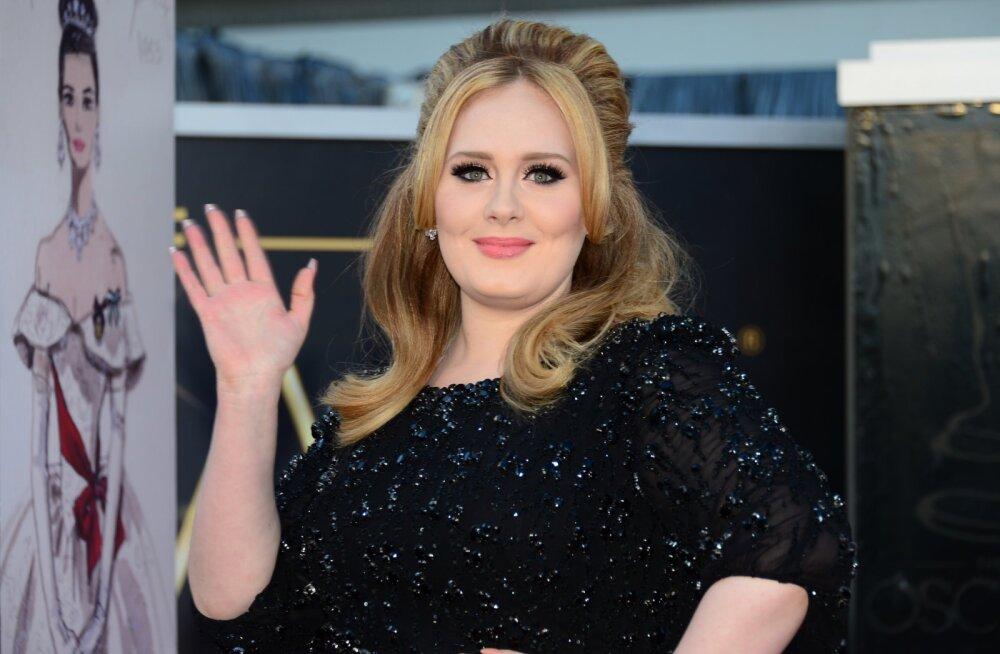 KLÕPS   Tõeline püss! Adele võttis lahutusega märgatavalt kaalust alla