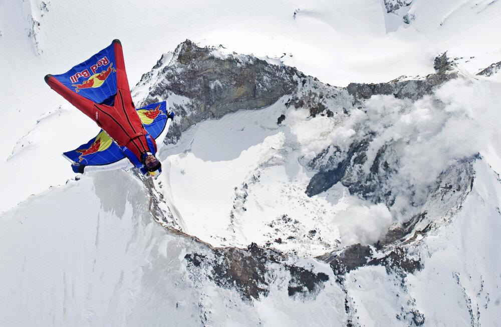 Maailma üks kuulsamaid BASE-hüppajaid hukkus Himaalajas