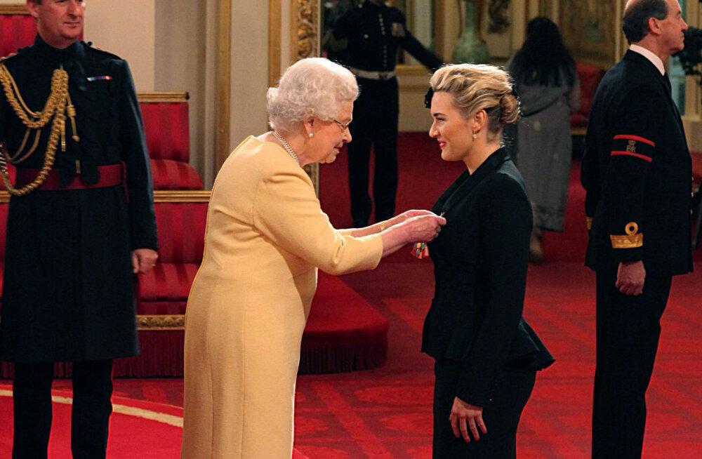 Kate Winslet kuningannaga kohtumisest: ta katkestas vestluse käepigistuse tõrjumisega