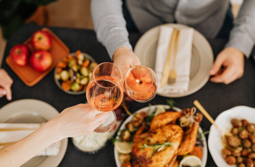 Как питаться в новогодние праздники без вреда для здоровья? Лайфхаки от нутрициолога из Эстонии
