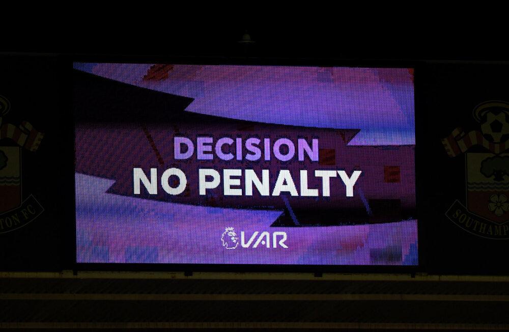 VIDEO | Premier League'is jättis VAR andmata kaks selget penaltit