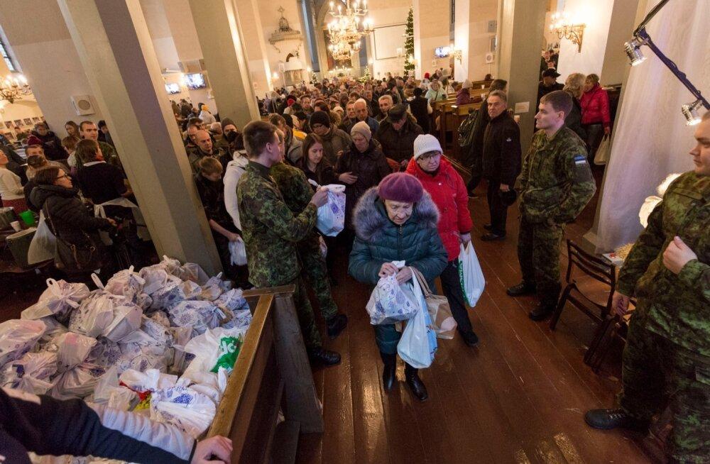 Kodutute ja vähekindlustatute jõulujumalateenistus Oleviste kirikus