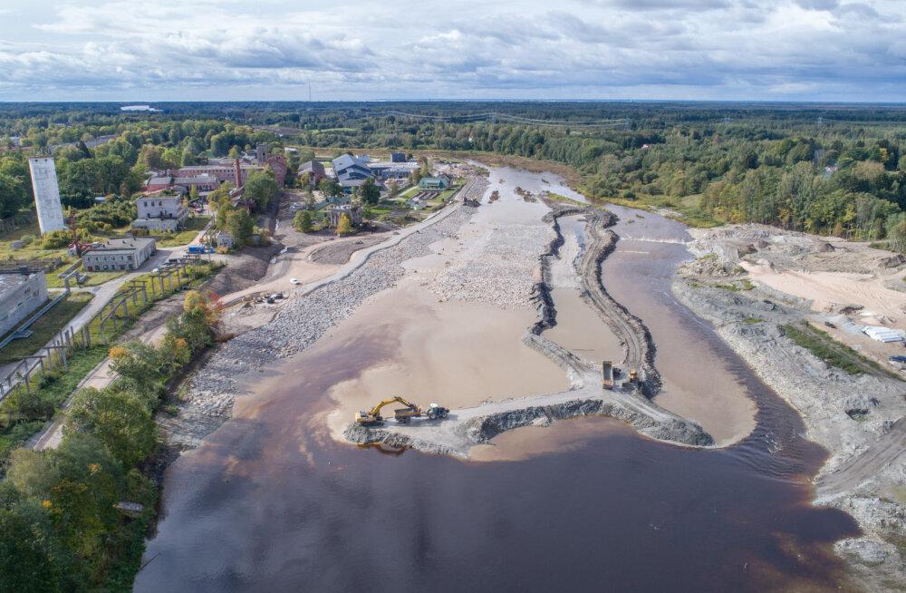 FOTO | Pärnu jõgi suunati Sindis vastvalminud kärestikule