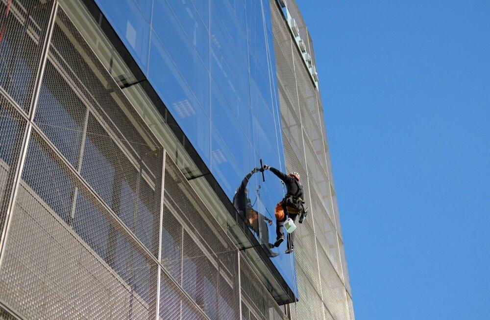 Kõrghoone akende pesemine
