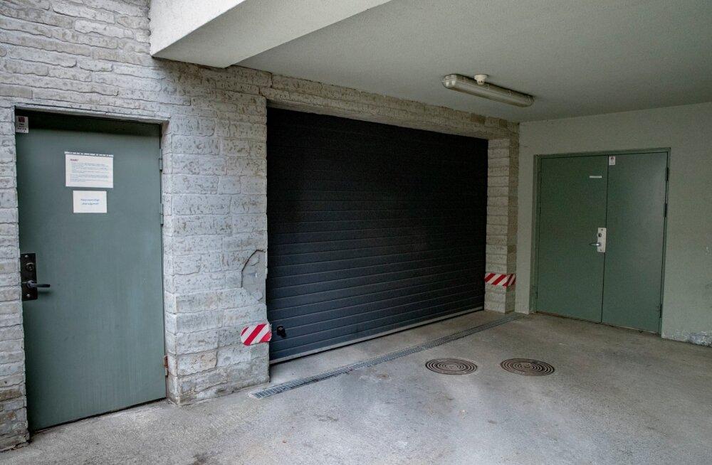 Ошеломляющие признания в суде: экономия на гаражной двери убила ребенка