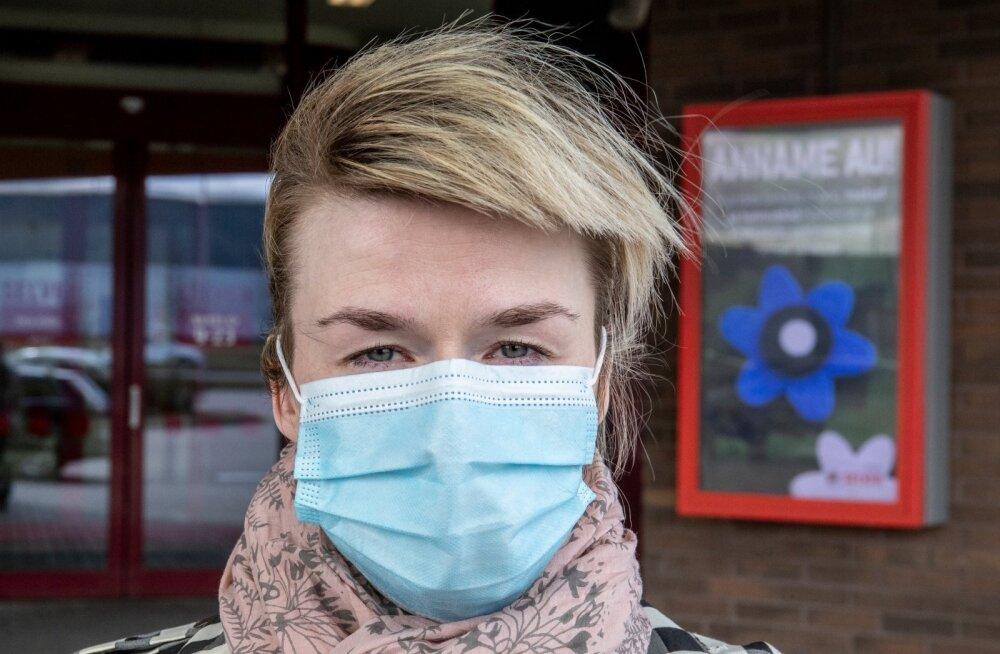 Специалисты: у поступивших в продажу в аптеках масок может вообще не быть класса защиты