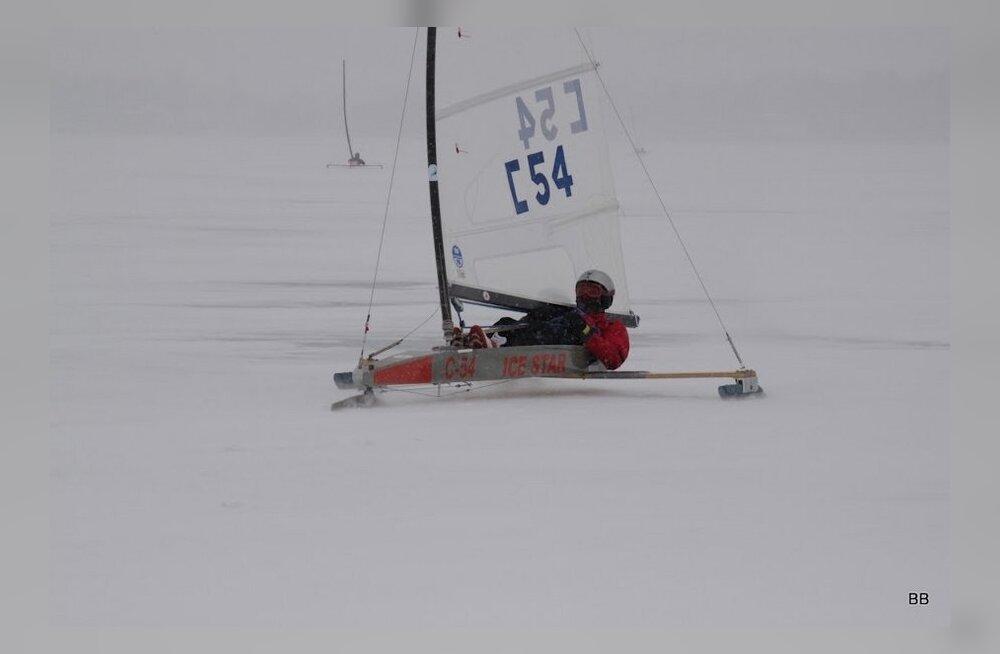 Johannes Puusepp saavutas jääpurjetamise juunioride MM-il 4. koha