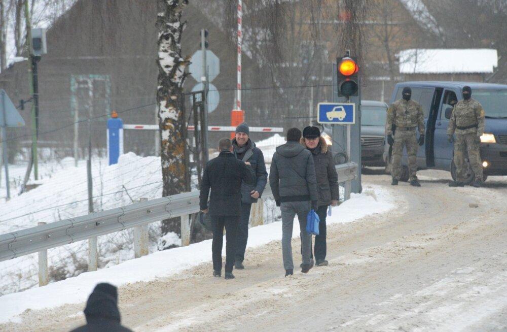 Artjom Zintšenko ja Raivo Susi vahetus Koidula piiripunktis