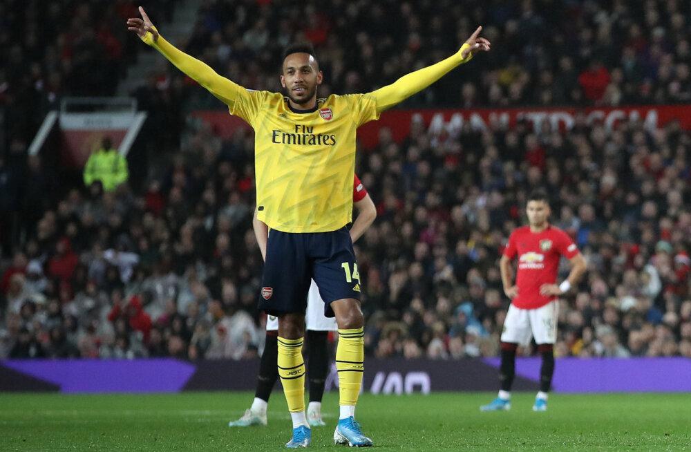 VAR tühistas abikohtuniku rasvase prohmaka ning Arsenal sai Manchester Unitedilt viigipunkti kätte