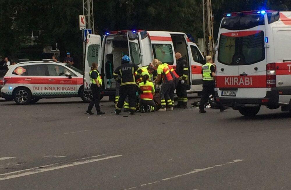 Esmaspäeva õhtul avariisse sattunud noor mootorrattur suri haiglas