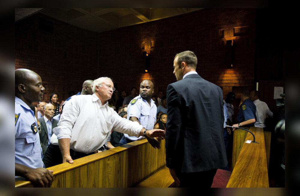 Henke Pistorius poja mõrvaprotsessil