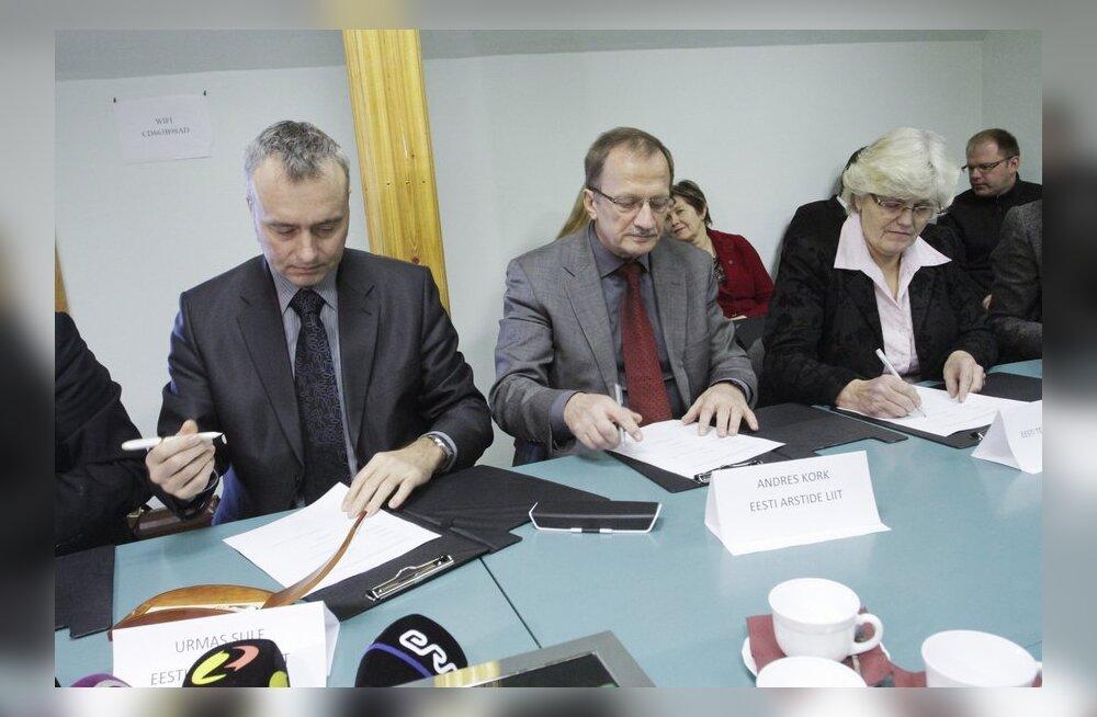 FOTOD: Tervishoiutöötajate kollektiivleping sai allkirjad alla