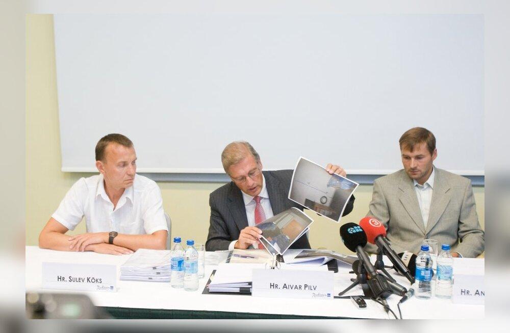 Andrus Veerpalu pressikonverents. Vasakult: Sulev Kõks, Aivar Pilv, Andrus Veerpalu