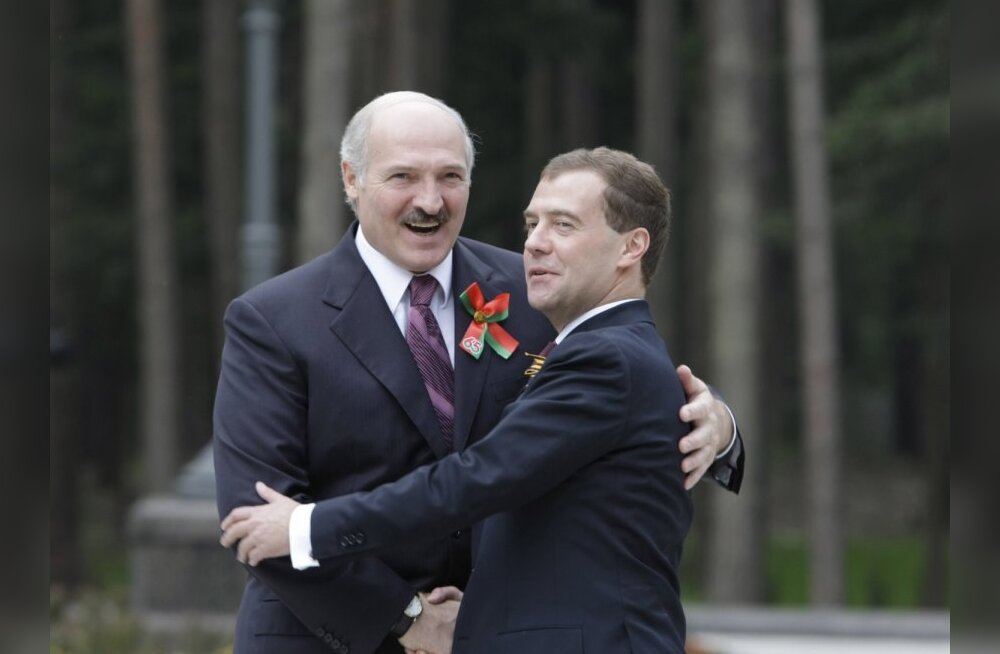 Belarusian President Alexander Lukashenko, left, and Russian President Dmitry Medvedev attending an informal meeting of Collective Security Treaty Organization member states' leaders at the Gorki residence outside Moscow on May 8, 2010.