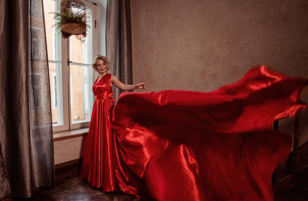 """""""Каждая девушка почувствует удовольствие от процесса"""". Новый тренд """"летящие платья"""" набирает в Эстонии невероятную популярность!"""