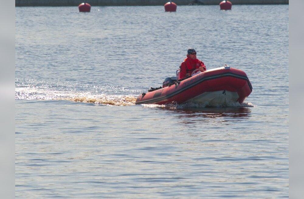 Законопроект: полиция будет ловить нарушителей скоростного режима на реках и озерах