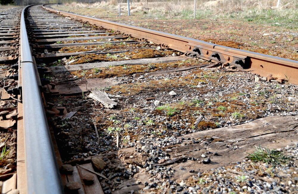 Edelaraudtee: 7 вещей, которые нужно знать об обреченной пярнуской железной дороге