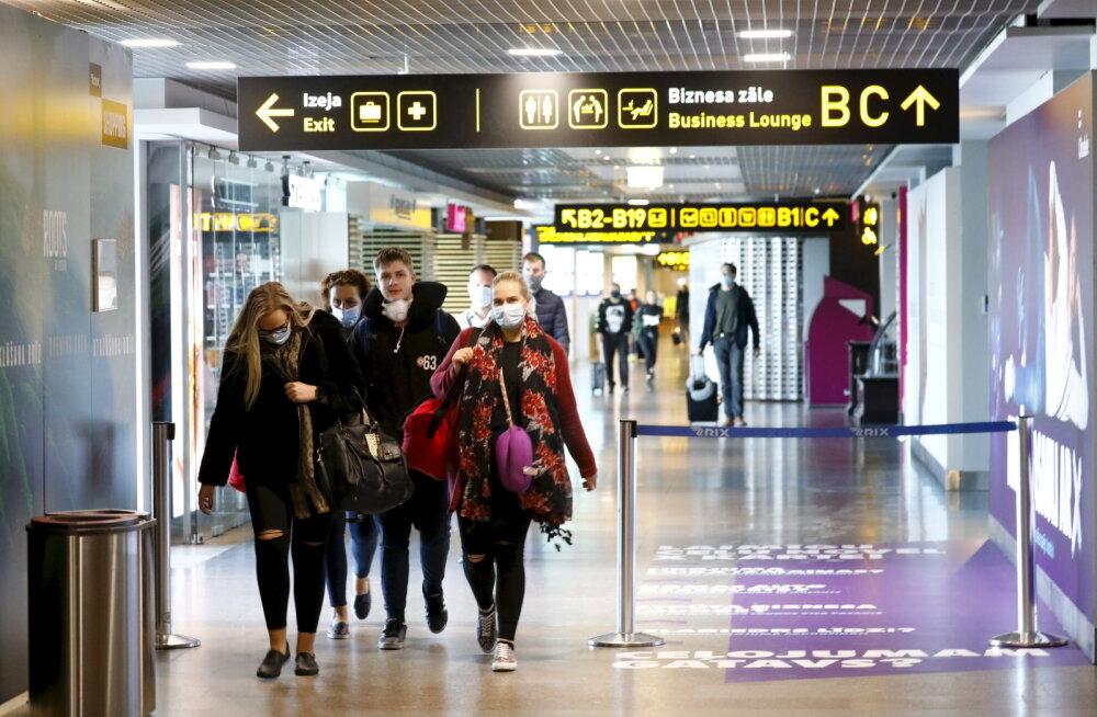 Латвия частично сняла ограничения на авиаперевозки, оставив в черном списке только четыре страны